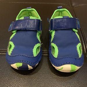 Stride Rite Soft Motion Splash Sandal Size 4.5M
